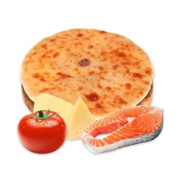 Осетинский пирог с лососем, сыром и помидорами