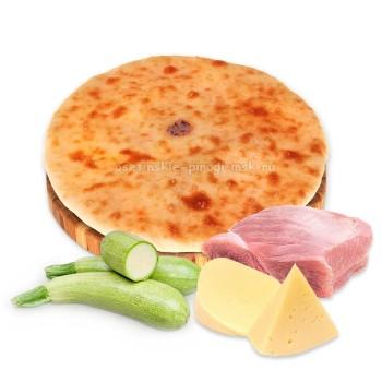 Осетинский пирог с индейкой, сыром и кабачком