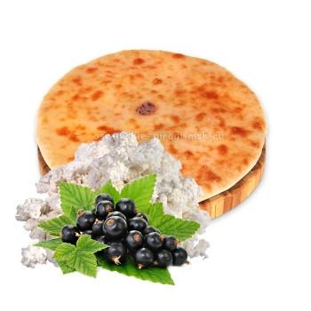 Осетинский пирог с творогом и смородиной