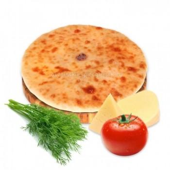 Осетинский пирог с сыром, шпинатом и помидорами
