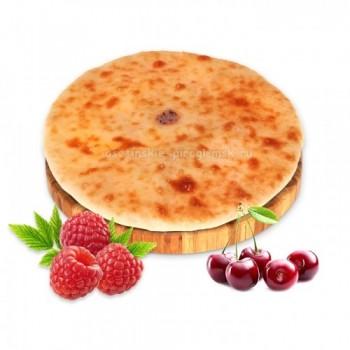 Осетинский пирог с ягодным ассорти