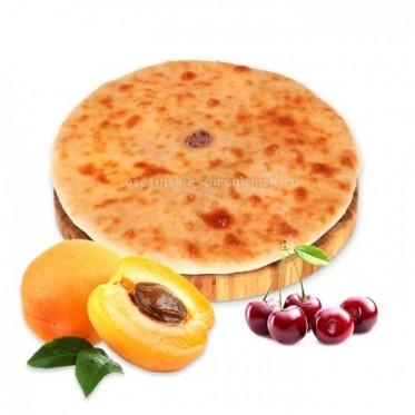 Осетинский пирог с абрикосом и вишней